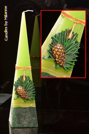 Dennenappel kaars, Piramide, 33 cm