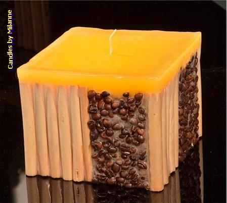 Koffie bamboe kaars GEEL - 11x11 cm H: 10 cm