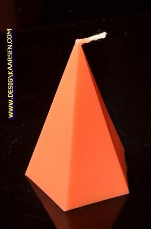 5 kantige Piramide Kaars, GLANS ORANJE, hoogte 11 cm