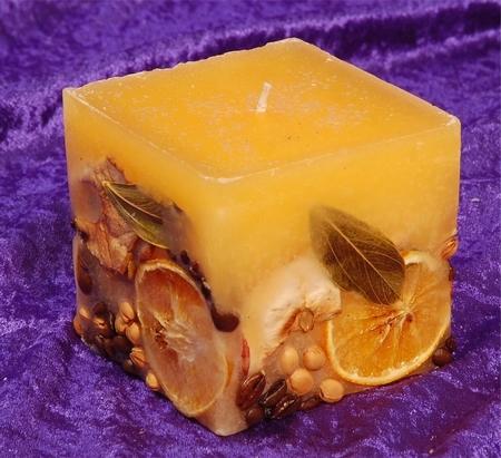 Fruit Kaars Vierkant Medium GEEL